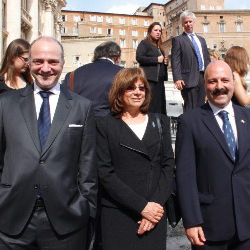 Representantes del Poder Judicial de Tierra del Fuego presentes en la audiencia Papal
