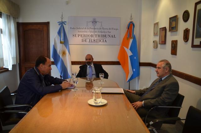 Reunión autoridades STJ con legislador Pablo Blanco (1)