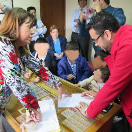 El Juzgado de Familia otorgó adopción de dos niños a un matrimonio igualitario