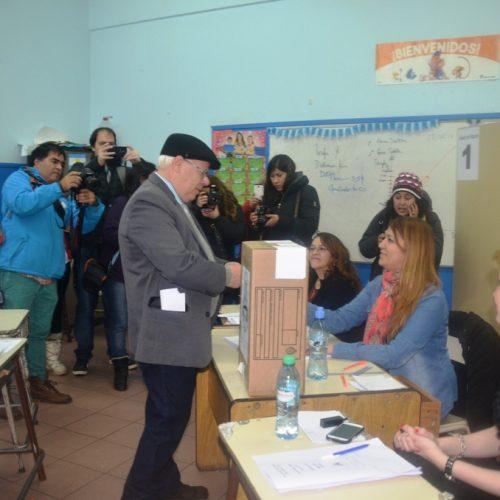 Ciudadano argentino nacido en Malvinas votó por primera vez en Tierra del Fuego