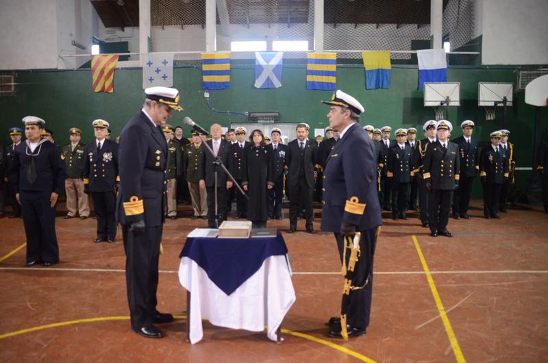 Ceremonia cambio de autoridades en Área Naval Austral (2)
