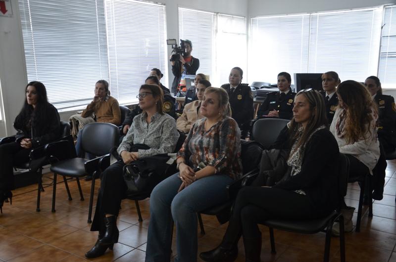 Videoconferencia sobre mujeres y derechos conquistados (2)