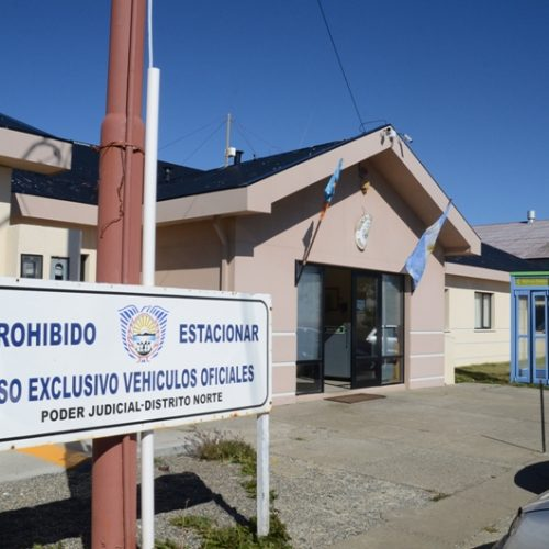Omiten el debate oral en juicio por el robo agravado a un taxista en Río Grande