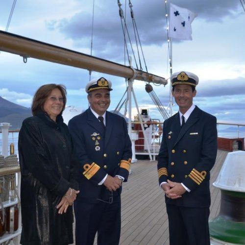 """La Doctora Battaini saludó a autoridades de la Armada Argentina a bordo de la Fragata """"Libertad"""""""