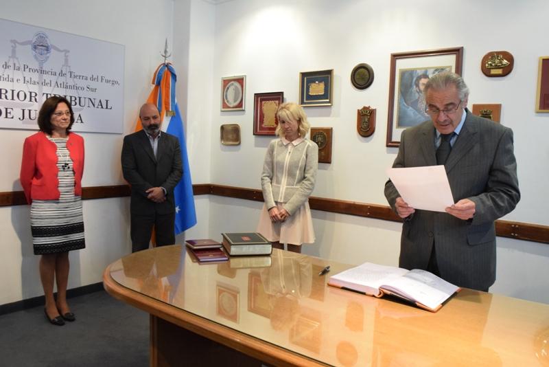 Jura Doctora Paola Caucich (1)