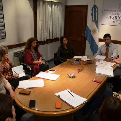 El equipo de PEC comenzó sus reuniones grupales con unidades funcionales de Ushuaia