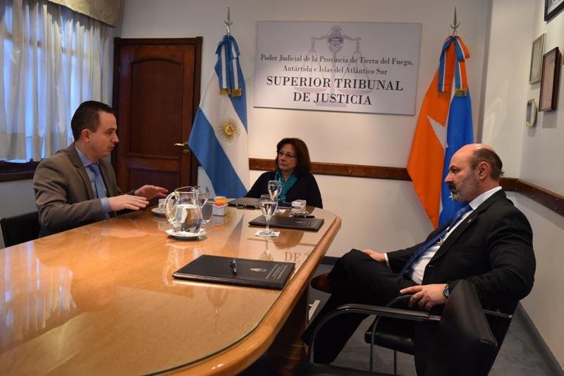 Reunión Jueces STJ con Ministro Gobierno  (2)