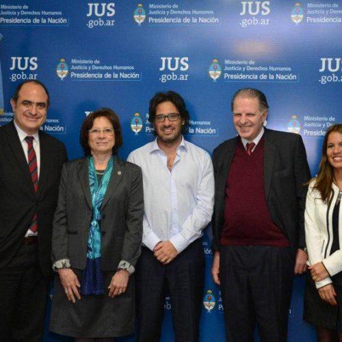 Firman convenio para crear centros de Acceso a Justicia en Tierra del Fuego