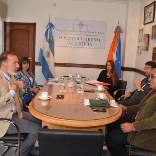 Acuerdan agenda de trabajo con la UEJN y la Asociación de Magistrados