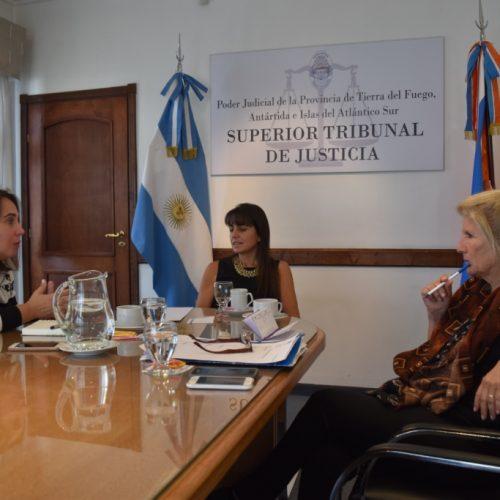 Mediación y Atención Temprana coordinan acciones en Casa de Justicia de Tolhuin
