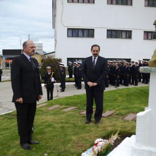 Sagastume participó de ceremonia por el aniversario del fallecimiento del Almirante Brown
