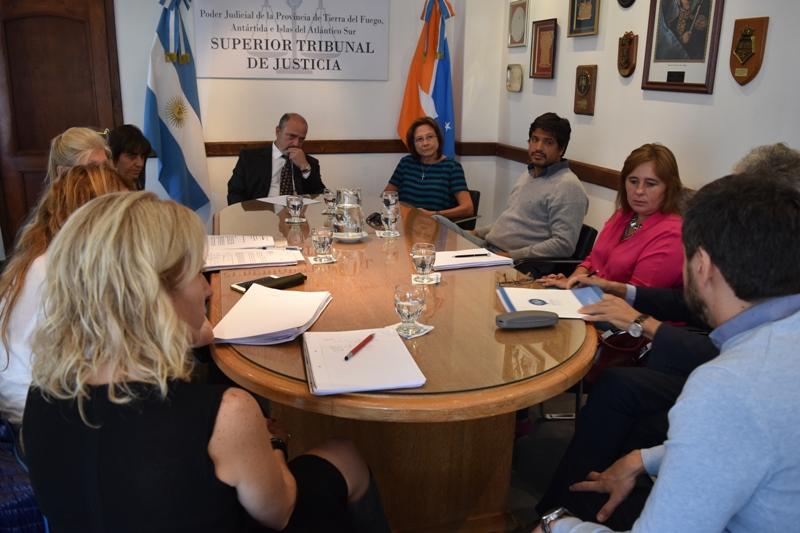 Reunión de trabajo Gobierno-Justicia (4)