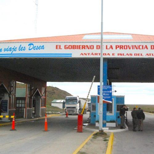 Procuran aumentar acciones para optimizar los servicios que prestan en el paso fronterizo de San Sebastián