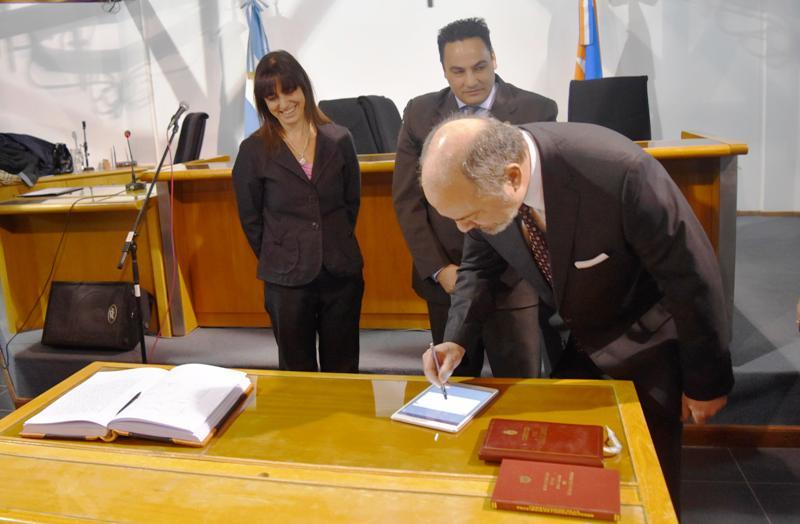 Firma acta digital Dr. Sagastume