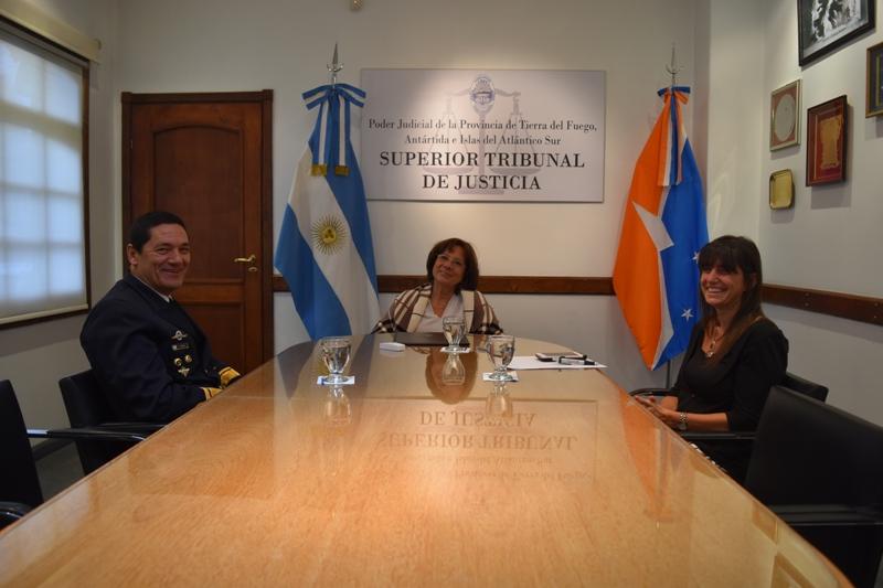 Visita protocolar Contraalmirante Traina (2)