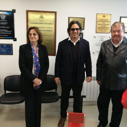 El ministro Garavano visitó la Casa de Justicia de Tolhuin y firmó convenio para conectar digitalmente a los superiores tribunales de justicia del país