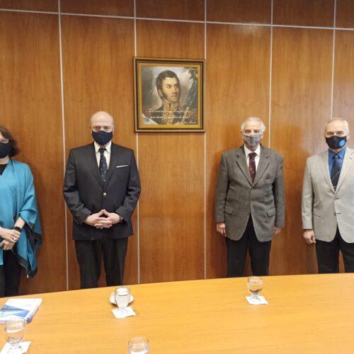 Colocaron un retrato del General San Martín en la sala de Audiencias del Superior Tribunal de Justicia