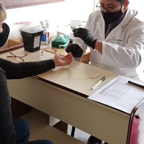Realizan testeos rápidos como parte del plan de cuidados ante el COVID-19